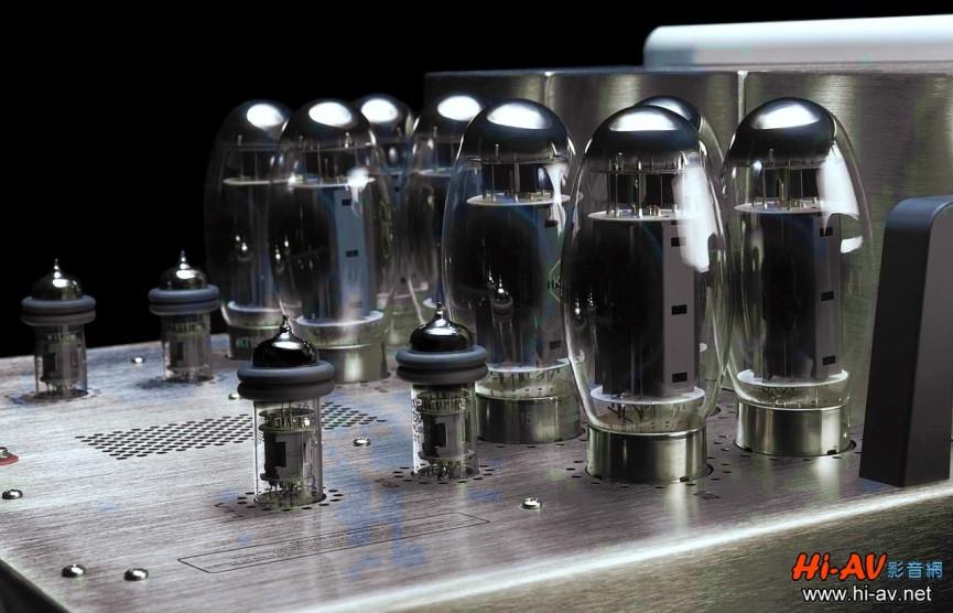 GS150是Audio Research首部使用KT150功率管的後級,該管出自於美國百年名廠、一甲子前就以6550真空管聞名業界的Tung-Sol。為了散熱更佳、更能抑制麥克風效應微振,Tung-Sol將KT150設計成略為拉長的圓蛋頭造型,非常漂亮又獨特,有些音響迷甚至給予它科幻片「異形蛋」的暱稱。相較於Audio Research之前所使用的KT120,KT150的輸出功率更大,光是一對就可達到每聲道300瓦的輸出,而GS150竟然每聲道用上兩對,但僅將其功率輸出設定為155瓦,為的就是更低失真與更充沛無虞的動態餘裕。