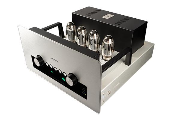 ARC新款綜合擴大機GSI75,每聲道有75瓦的輸出功率,本身還內建了優秀的唱頭放大、耳擴和DAC線路,更具備前級輸出功能。