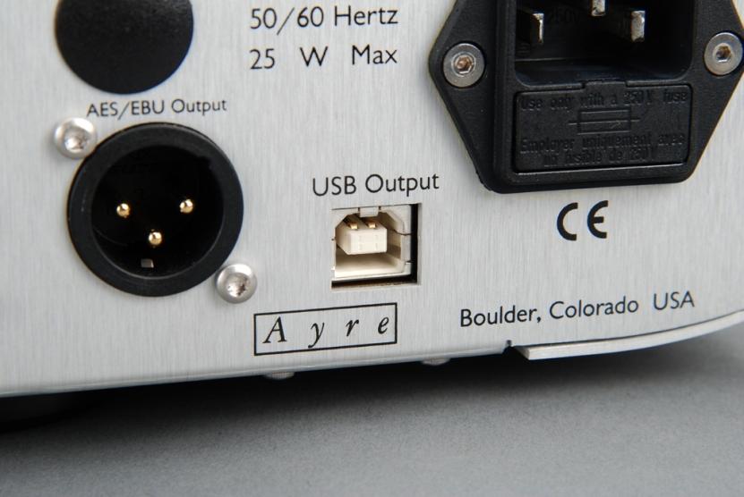 QA-9最高可以輸出24/192的高解析數位檔案,所以如果你是黑膠收藏家,就可以把黑膠轉成高解析數位檔案,透過USB存到電腦裡,等於自己擁有母帶。