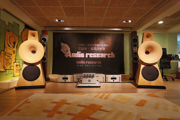 在台北豐銘音響舉行的Audio Research VSi75綜合擴大機與Reference 75後級體驗會,會中搭配Odeon No.38號角喇叭,算是難得一見的組合。