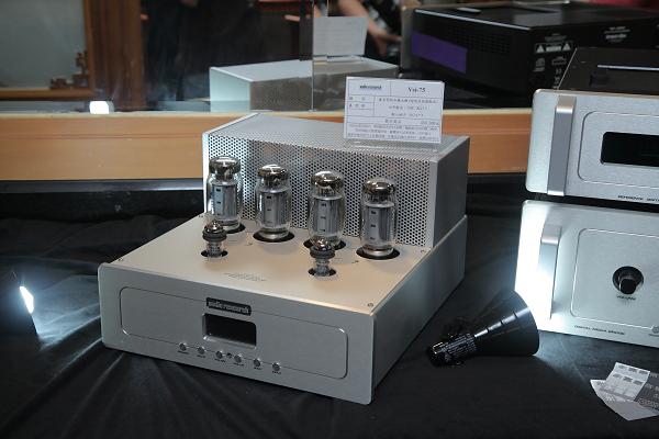 Audio Research VSi 75後級,也是今年才發表的機種。