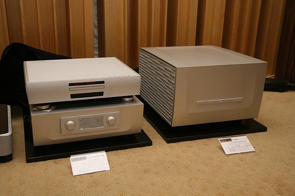 搭配B&W 802 Diamond的有Constelation的Virgo前級(108萬)與Centaur立體聲後級(137萬),訊源則是Playback MPS-3 CD唱盤。