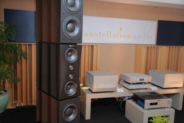這是Dynaudio的Evidence Platinum白金版喇叭,造型優雅,氣質非凡。