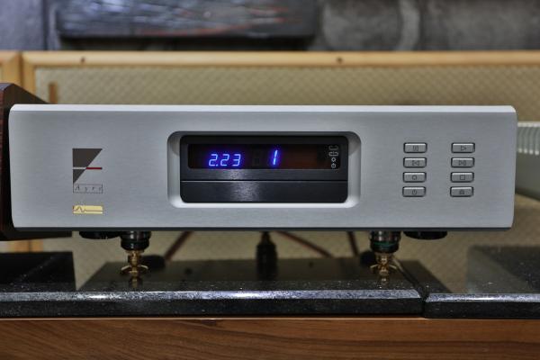 家登準備的訊源是Ayre CX-7 CD唱盤。