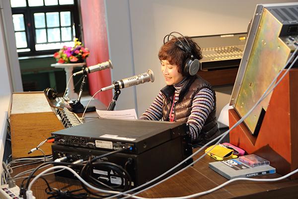 主辦單位在展場中規劃了1:1復刻播音室。