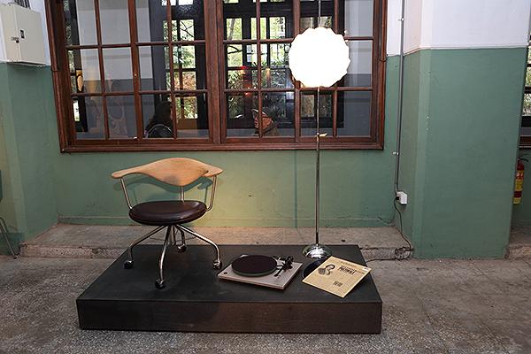當做裝置藝術也很有品味,圖中展示的是Rega RP-3黑膠唱盤。