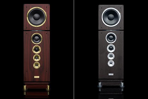 Consequence UE有兩種外觀,分別是紅木配上24K金外框,或是黑色配鍍鉻外框。