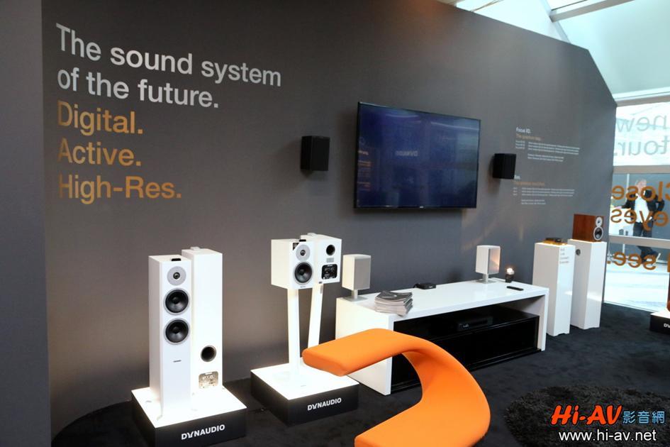 展房另一側展示Dynaudio Focus XD與Xeo系列,還明白揭示數位、主動、高解析三個要素是音響系統的未來!